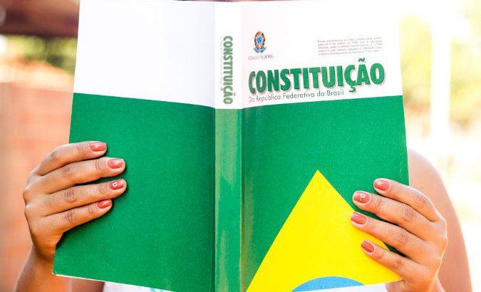 A carta magna brasileira é considerada um das mais avançadas e inclusivas  constituições do mundo moderno (Reprodução/Internet)