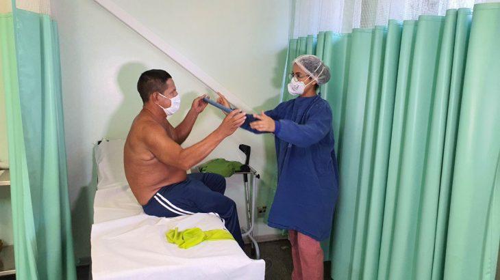De acordo com especialistas, homens também precisam ficar atentos para qualquer alteração na área mamária do corpo (Rodrigo Santos/SES-AM)