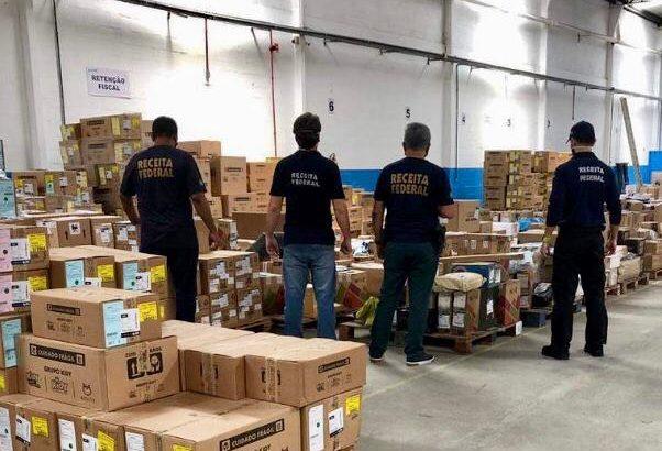 Fiscais da Serep retém 118 caixas com produtos importados. Foto: Divulgação