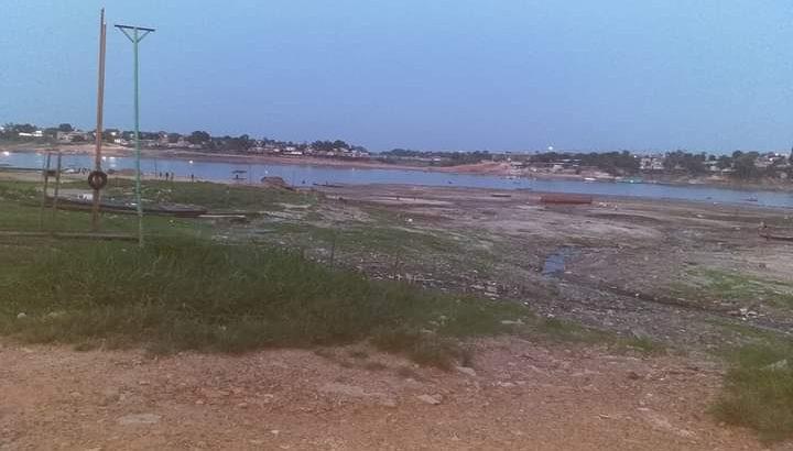 Beira rio, o lago de Tefé em setembro deste ano (Reprodução)