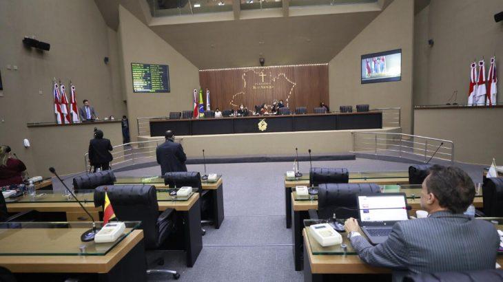Deputados participaram de forma remota e presencial e debateram assuntos variados. (Reprodução/ Divulgação)