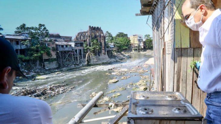 Manaus é a 6ª pior cidade do País em saneamento básico. (Marcelo Cadilhe/Divulgação)