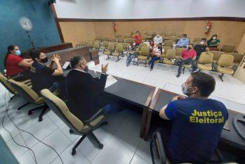 """Em reunião, coligações junto à Justiça Eleitoral abordaram sobre a """"propaganda eleitoral, transporte de eleitores e medidas protetivas contra a Covid 19"""""""