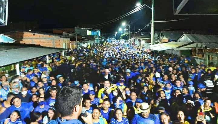 Evento reuniu centenas de pessoas em Nhamundá, que estavam se máscaras, em meio ao risco de contágio da Covid-19 (Divulgação/Internet)