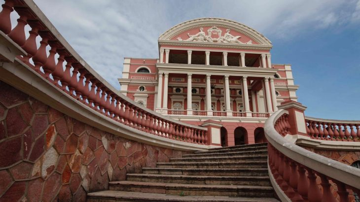 From the exotic to the mysterious: how  do tourists around the world see Manaus