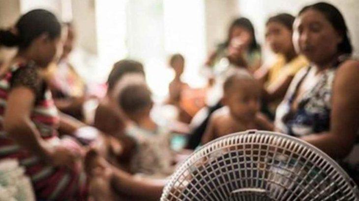Grupo de mulheres indígenas Warao com seus filhos em abrigo de Roraima (Divulgação/ Internet)
