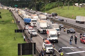 Caminhoneiros paralisaram uma das principais rodovias do País em protestos contra alta no preço dos combustíveis (Divulgação)