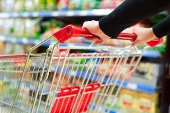 Está cada dia mais difícil encher o carrinho de compras no supermercado com a alta nos preços dos produtos (Reprodução/Internet)