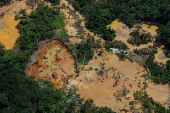 Gold mining in the Homoxi region, next to a community airstrip, in the Yanomami Indigenous Land (December 2020)   Divulgation