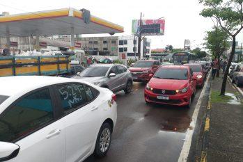 Manifestação dos motoristas de aplicativo ocupou uma das principais vias de Manaus (Bruno Pacheco/Revista Cenarium)
