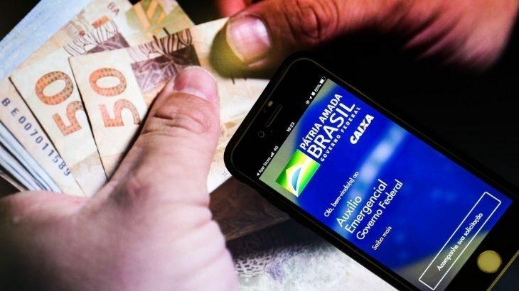 Só pode pedir a reativação do benefício quem recebia o auxílio emergencial de R$ 600 ou a extensão de R$ 300 em dezembro do ano passado (Marcello Casal Jr/Agência Brasil)