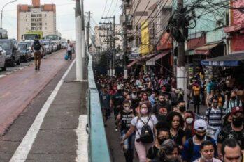 Em São Paulo, expectativa de vida deve cair 2,17 anos por causa do coronavírus (Reprodução/Folha de S. Paulo)
