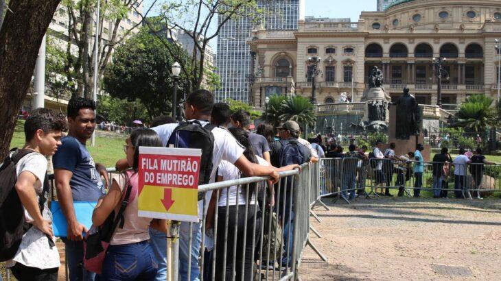 O sindicato dos comerciários de São Paulo promove mutirão do emprego em São Paulo, ofertando 5.726 vagas (Reprodução/Agência Brasil)