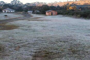 Segundo o Ciram, a previsão de massa de ar frio e seco mantém os dias ensolarados e a temperatura baixa especialmente à noite e ao amanhecer até a próxima sexta-feira, 30 (Marleno Muniz)