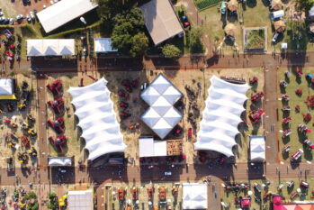 Em 2019, em sua última edição, o evento gerou R$ 2,9 bilhões em intenções de negócios e reuniu 159 mil visitantes (Divulgação/Agrishow)