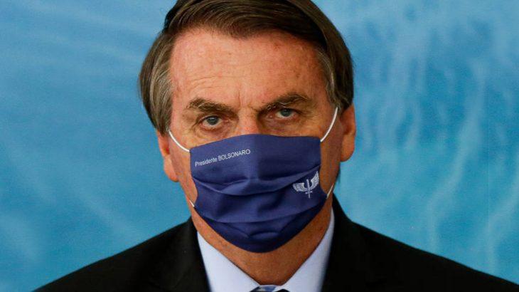 Em evento no Palácio do Planalto, presidente insiste em medicação sem eficácia contra a Covid (Raul Spinassé/Folhapress)