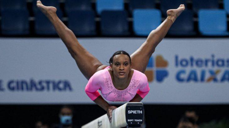 Rebeca Andrade, que participou dos Jogos do Rio, em 2016, teve um ciclo complicado, com três cirurgias no joelho (Ricardo Bufolin/CBG)