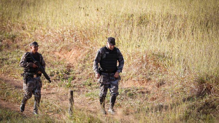 Policiais Militares de GO, do DF e PRFs faziam buscas na BR-070 por Lázaro Barbosa de Sousa (Pablo Jacob/Agência O Globo)