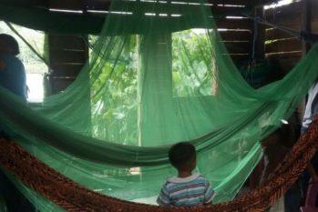 Mosquiteiros ajudam a evitar picadas durante a noite (Secretaria de Saúde do Acre)