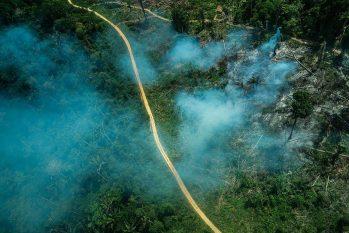 Incêndio florestal na terra indígena Ituna-Itatá, em setembro de 2019, na época de queimadas  (Fábio Nascimento / GreenPeace)