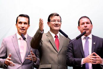 À esquerda, Sidney Leite, no meio José Ricardo e à direita, Marcelo Ramos, os três deputados federais do Amazonas. (Arte: Samuel KNF/Cenarium)