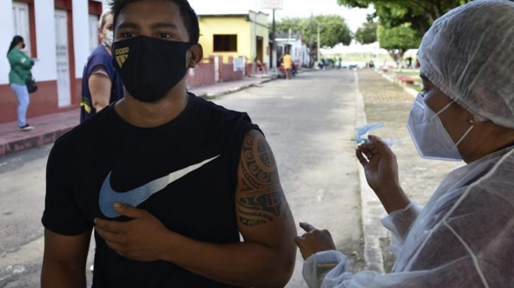 Vacinação no interior do Amazonas (Divulgação/Secom)