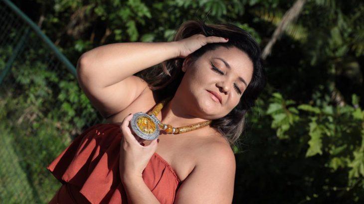Rafaela Souza usando os acessórios da Potyra (Reprodução/Acervo pessoal)