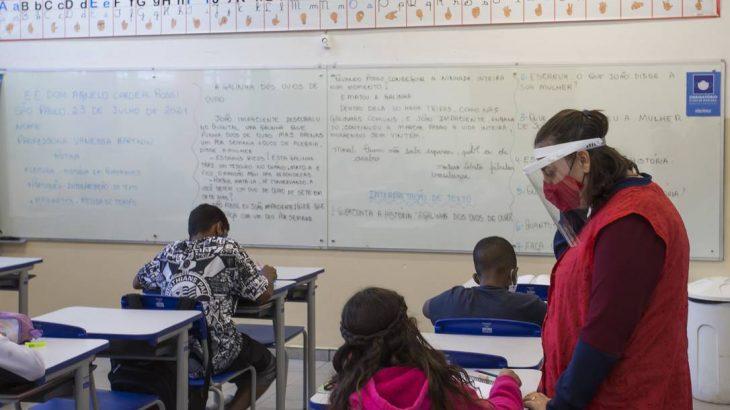 Aula na Escola Estadual Dom Agnelo Cardeal Rossi, extremo Sul de São Paulo (Edilson Dantas/Agência O Globo)