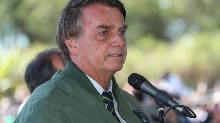 Há algumas semanas o presidente Bolsonaro reclamava de um soluço (Isac Nóbrega/PR)