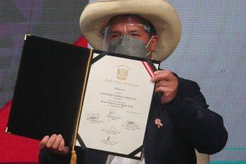 Pedro Castillo é declarado presidente eleito do Peru (Foto: Sebastian Castaneda/AFP)