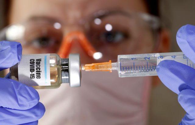 Covid Vaccine (REUTERS/Dado Ruvic/Illustration/File Photo)