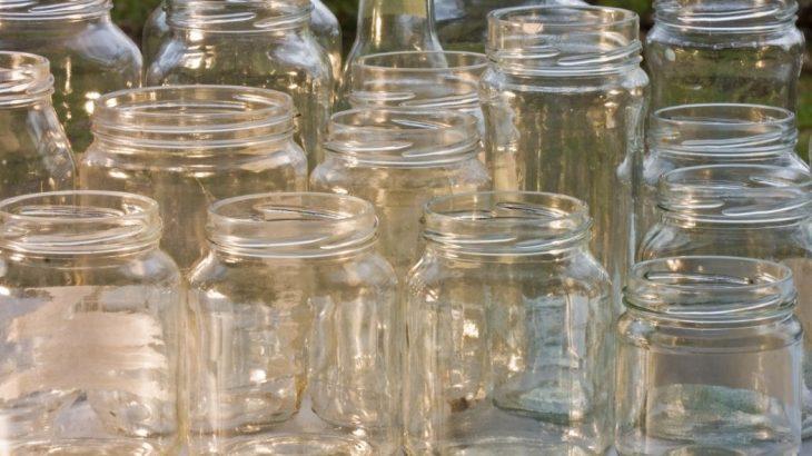 Objetivo é reunir o maior número de potes de vidro com tampa de plástico (Reprodução)