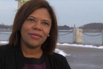 Natalicia Tracy, em foto de 2016; ela contou ter sido submetida a jornadas abusivas quando trabalhou como doméstica nos EUA. (Reprodução/ BBC)