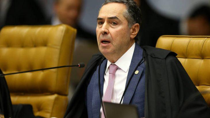 Parlamentares afirmam que decisão de Luís Roberto Barroso é orientada por ideologia anticristã  (Pedro Ladeira - 28.nov.2018/Folhapress)