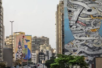 In the foreground, 'Urban Man', by Tec; in the background, the work 'Pindorama', by Rimon (Eduardo Knapp/Folhapress)
