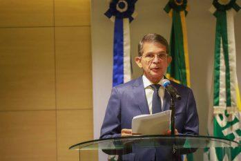 O general da reserva Joaquim Silva e Luna durante cerimônia de posse na presidência da Petrobras (19.abr. 21 - Paulo Belote/Agência Petrobras)