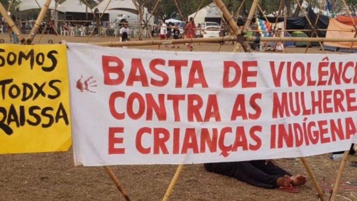 Banner displayed during a protest of indigenous women in Brasília (Cassandra Castro/Cenarium)