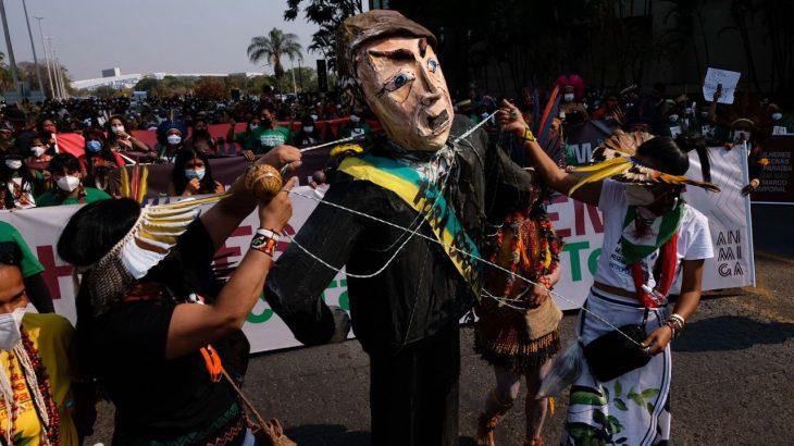 Entidades fazem denúncia sobre ameaças institucionais aos povos indígenas do Brasil (Reprodução/Apib)