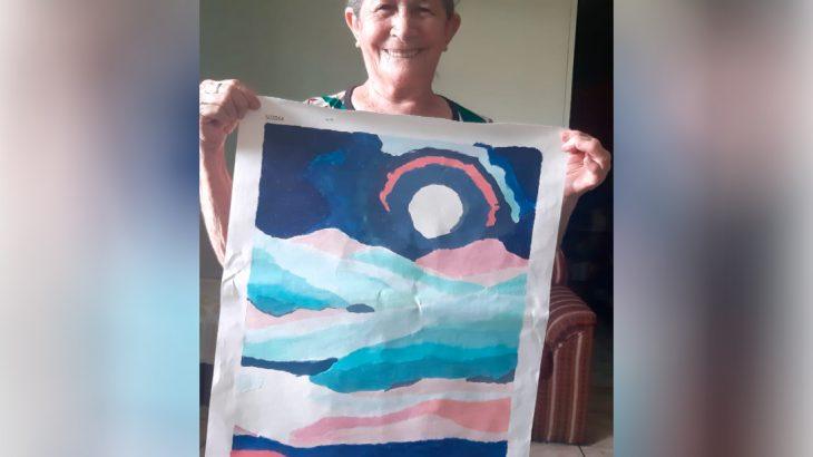 Aos 72 anos, dona Joana descobriu na pintura um novo hobby (Reprodução/Arquivo pessoal)