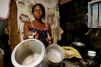 Família em extrema pobreza é aquela com renda per capita de até R$ 89 mensais. (Reprodução)