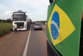 Paralisação de caminhoneiros em Roraima. (Reprodução/Internet)