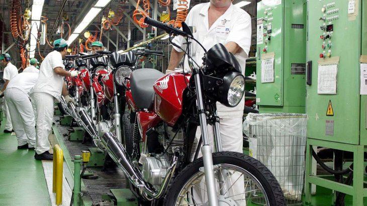 Queda foi puxada principalmente pelo setor de veículos, motos e peças (Arquivo/Agência Brasil)
