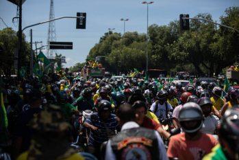 Manifestantes participam de ato a favor de Bolsonaro no Centro de Boa Vista, na manhã desta terça, 7 (Mathilde Missioneiro/Folhapress)