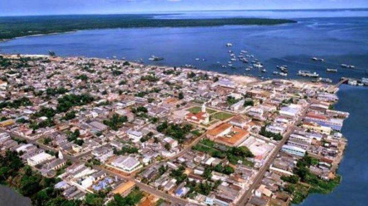 Vista aérea da cidade de Coari, no interior do Amazonas. Foto: Divulgação/ AAM