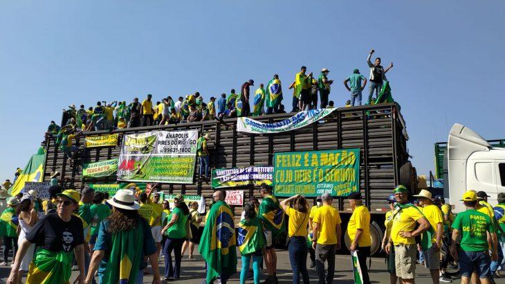 Apoiadores do presidente concentrados na Esplanada dos Ministérios  (Douglas Smith)