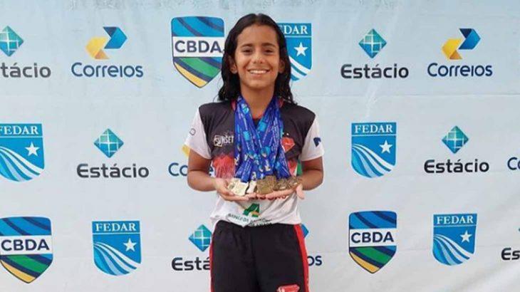 A atleta Adriele Marcela, aposta para a natação amazonense (Reprodução/Instagram)
