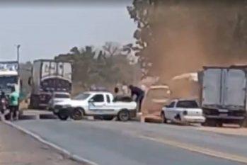 Após atos de 7 de Setembro, caminhoneiros bolsonaristas bloqueiam estradas em vários Estados - BR-070. Foto: Reprodução