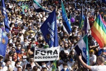 Manifestantes ocupam Avenida Paulista em ato contra o presidente Jair Bolsonaro (Edilson Dantas/Agência O Globo)
