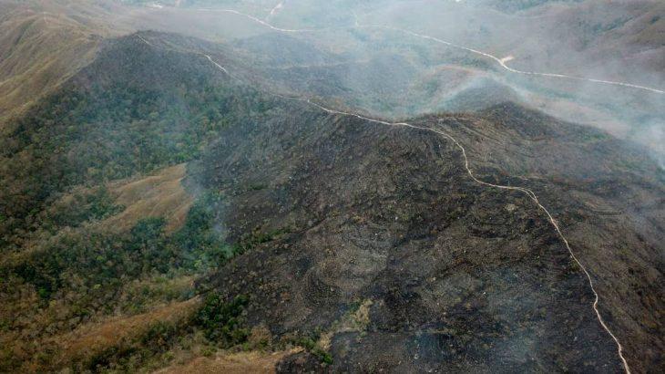 Fogo na Chapada dos Guimarães, no Mato Grosso, em 2019, área do Cerrado brasileiro (AFP)