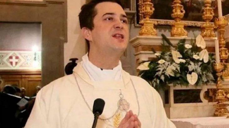 Padre Francesco Spagnesi foi preso na Itália por tráfico de drogas (Reprodução Newsletters)
